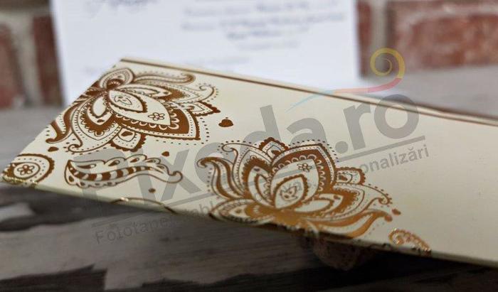 Imagine Invitatii nunta 5528 ornamente florale aurii