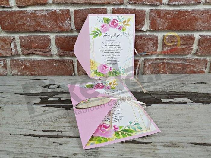Imagine Invitatii nunta 5667 roz cu flori