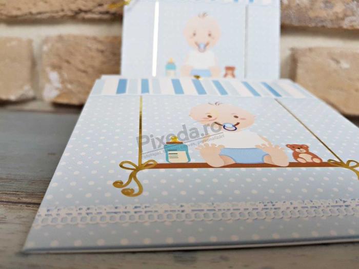 Imagine Invitatie de botez 8029 albastră leagăn cu bebeluș