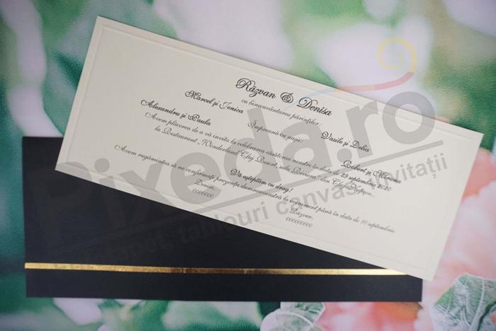 Imagine Invitatii nunta 1181 chenar auriu  și plic negru elegant