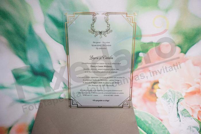 Imagine Invitatii nunta 1185 plexiglas cu margini aurii