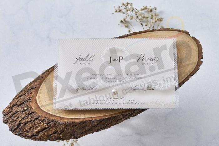 Imagine Invitatii nunta 1188 plic model dantelă și bijuterie